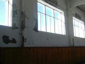 """Работы по спортивному клубу """"Звезда"""" продолжаются подрядчиками и в зимние каникулы"""